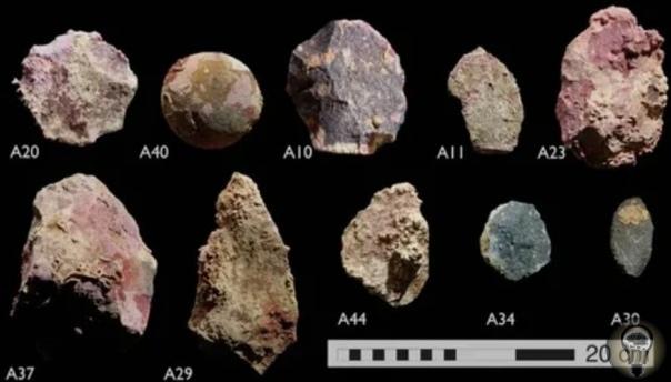 Под водами Австралии найдены следы древних людей Тысячи лет назад Австралия была больше Сегодня площадь Австралии равна 7,6 миллионам квадратных километров, но много лет назад этот материк был