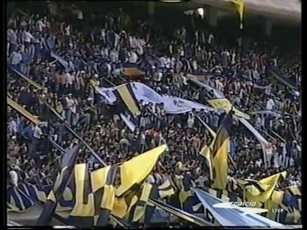 L'ADDIO AL CALCIO DI MARADONA Argentina Resto del Mondo 6 a 3 del 10 novembre 2001 primo tempo