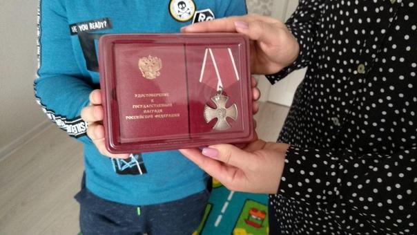 Как 7-летний Женя спас сестру от насильника. Ногинск-9 (Московская область), 28 ноября 2008 года. Галина в одиночку растила дочь Яну, когда встретила Евгения Табакова и вышла за него замуж.