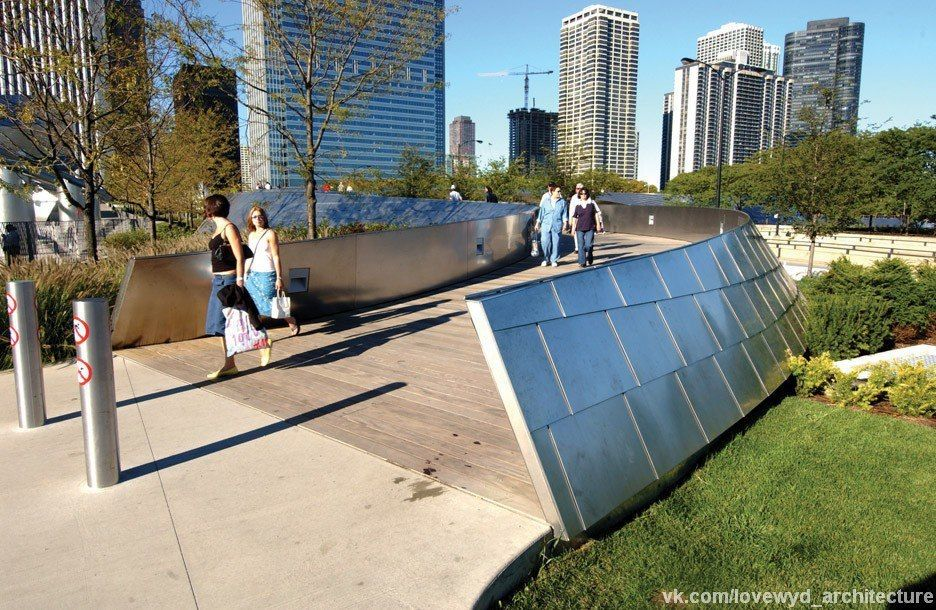 BP Pedestrian Bridge by Frank Gehry