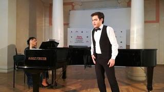 Арию Альфреда исполняет Валерий Макаров