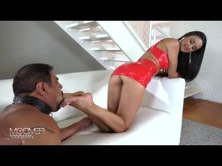 m - Eliza Ibarra - Mommys Demanding Feet