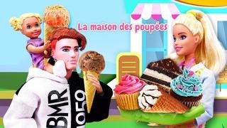 Qu'est-ce que Barbie vend dans son café? Vidéo avec poupées pour enfants.