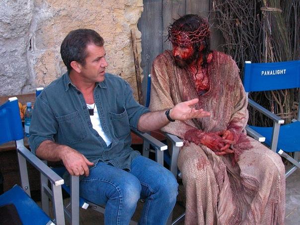 Сиквел «Страстей Христовых» всё еще разрабатывается «Мэл Гибсон недавно прислал мне третью версию сценария. Он грядёт, рассказывает Джеймс Кэвизел, исполнитель главной роли, в интервью Breitbart