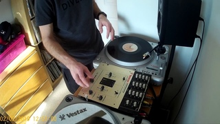 Vestax PDX 2000 + Vestax PMC 05 -scratch freestyle & beat -Dj Nawyku