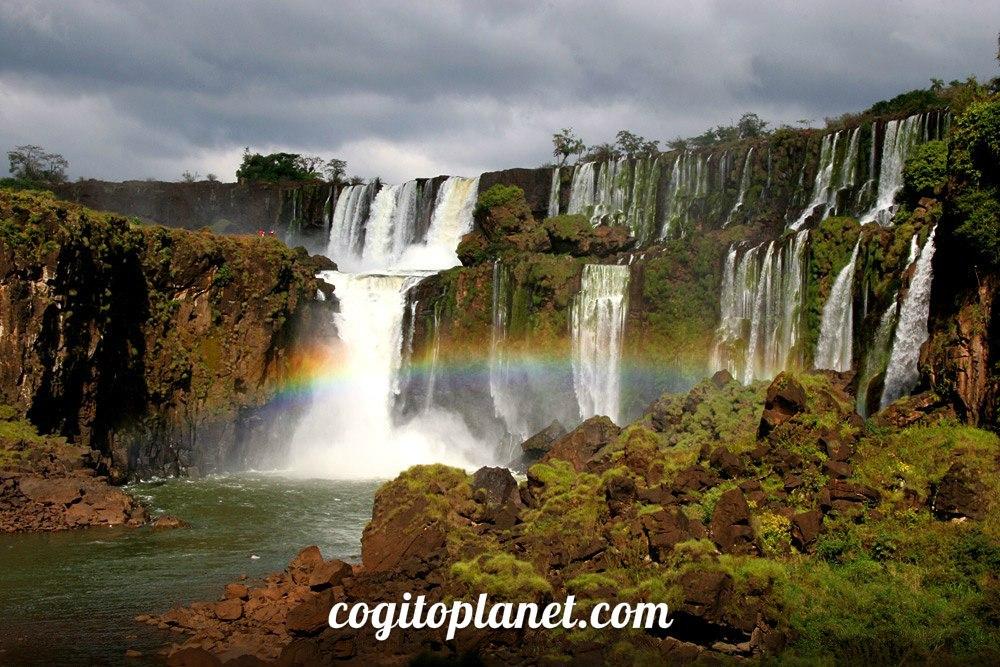 Бразилия: Национальный парк Игуасу (видео)