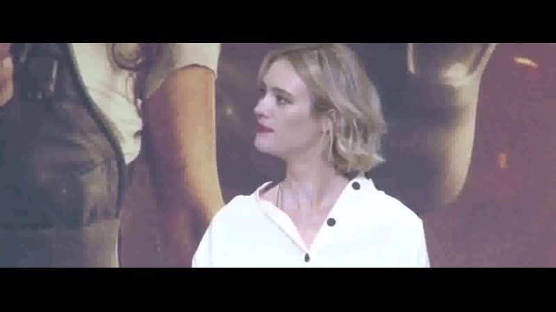 Mackenzie davis speaking at a terminator: dark fate press conference in seoul 2:02 Просмотров: 48