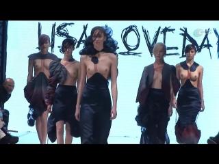 Эротическое дефиле модели топлес - Видео клип сиськи письки попки задницы голая не порно  телки секс эротика