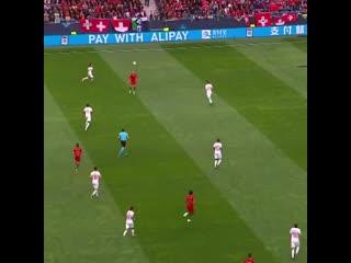 Слепой пас Криштиану Роналду в матче Лиги наций со Швейцарией