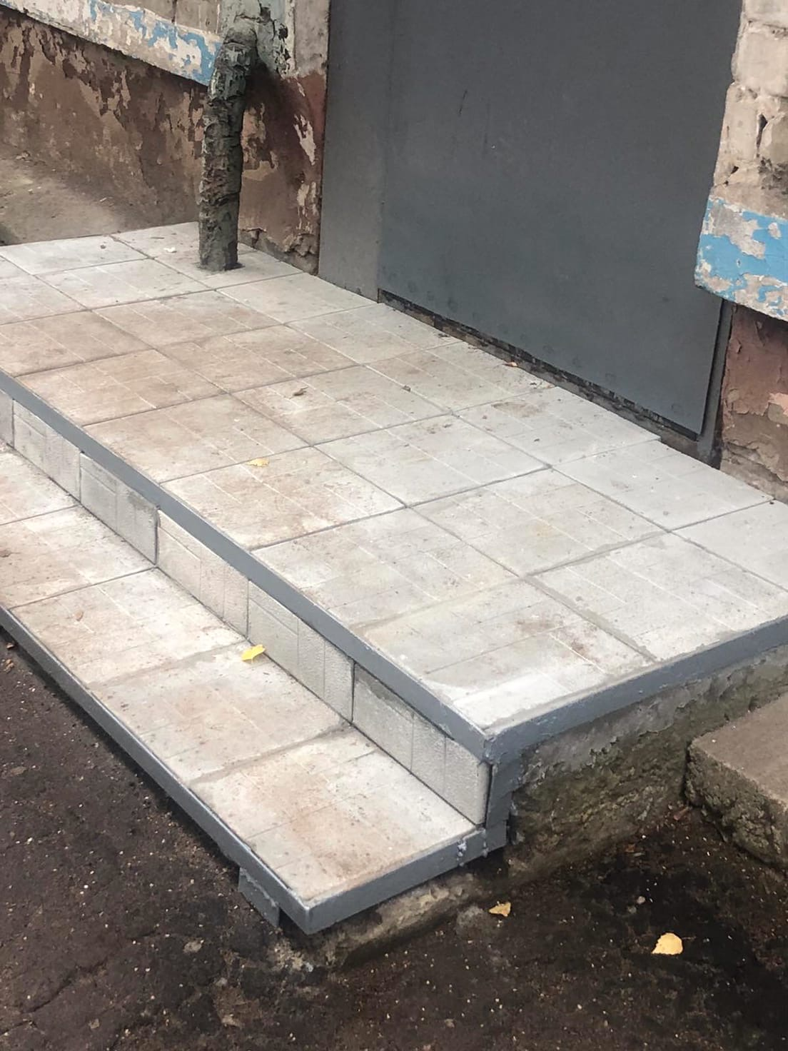 Улица Большева дом 10 ремонт ступеней крыльца