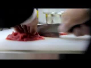 Классический тартар из говядины Мужская Кулинария.mp4