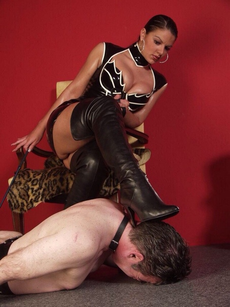 Mistress anna wins scat competition