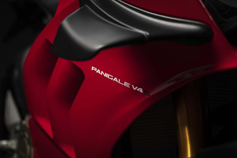 Обновленный спортбайк Ducati Panigale V4 2020