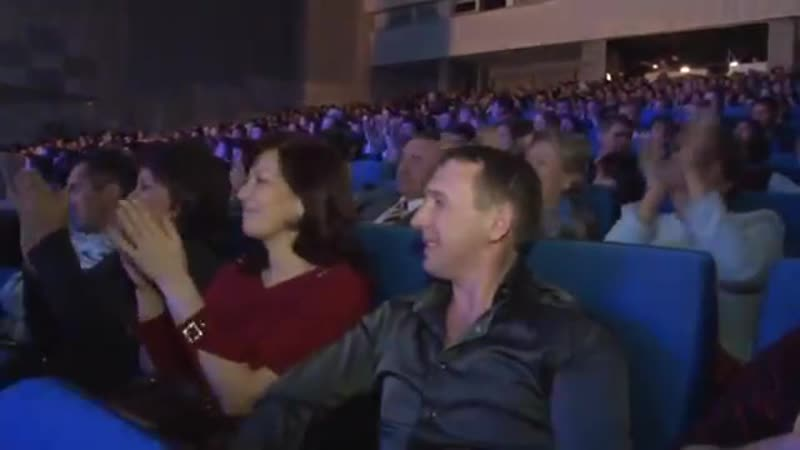 Ринат Рахматуллин зажигает под два свои хита Молодец mp4