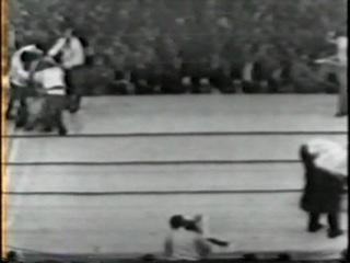 1961 06 10 Аrсhiе Мооrе vs Giuliо Rinаldi II NYSАС Wоrld Light Неаvуwеight Тitlе