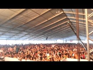 "Superstar Dj's 2013 - Rio: Axwell (Swedish House Mafia) playing ""Don't You Worry Child"""