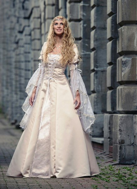 medieval wedding gowns - 735×1070