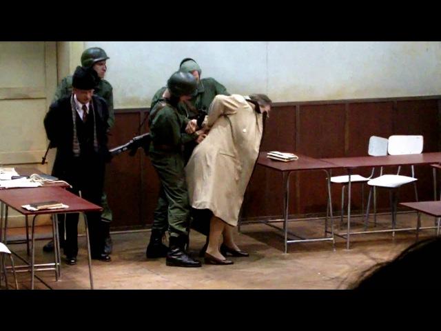 Ultimele clipe ale lui Ceausescu. Spectacol. Berlin