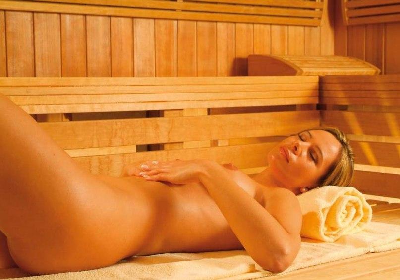 Mature nude in sauna