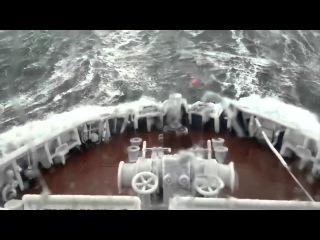 Корабли против шторма, лютый шторм.The ships against storms, fierce storm.