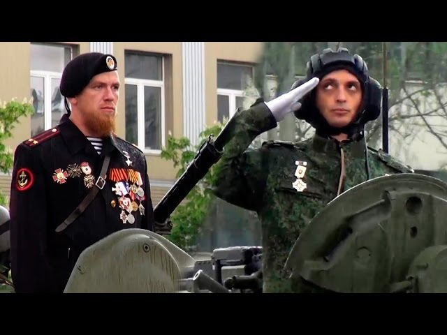 Моторола и Гиви на Параде Победы 9 Мая в Донецке Народ ликует