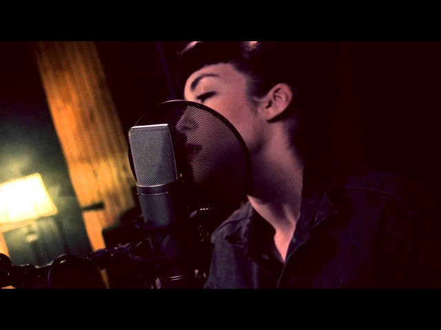 Bill Withers Ain't No Sunshine cover by @EliseLeGrow