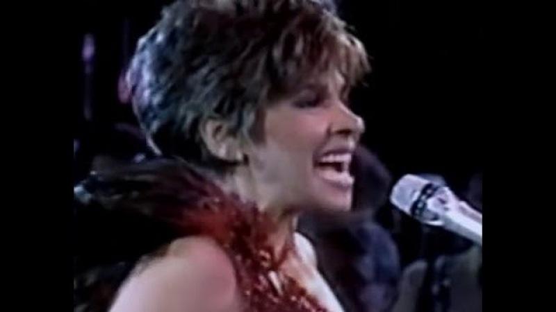 Shirley Bassey - New York New York (Medley) (1987 Live in Berlin)
