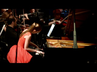 Shostakovich piano concerto N2- Anastasia Makhamendrikova