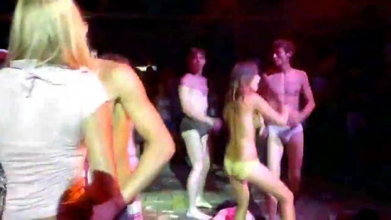 конкурс развратный в ночном клубе