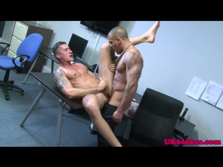 English_muscled_jock_anal_romp_on_desk_720p