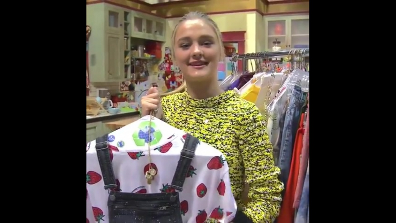 Love fashion like NRDDs Lizzy Greene Check out her style tips for some fun outfit ideas! 👗👠 ootd