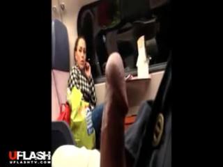 видео девушки смотрят как парень дрочит