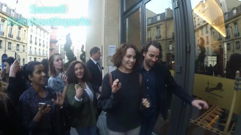 Папарацци Таппенс Мидлтон в Париже