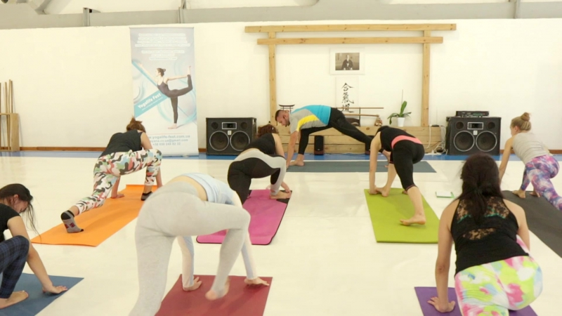 Yogalife Fest представляет сет Богдана Кожухарика Vinyasa Moving Meditations
