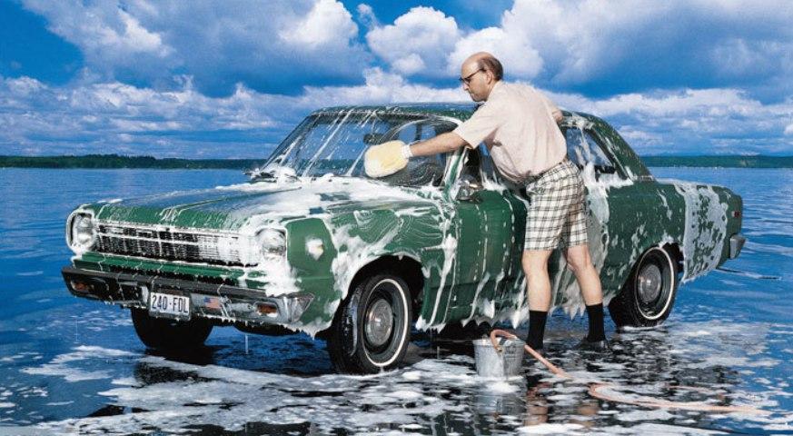 Теперь помыть машину рядом с озером стоит 3000 рублей
