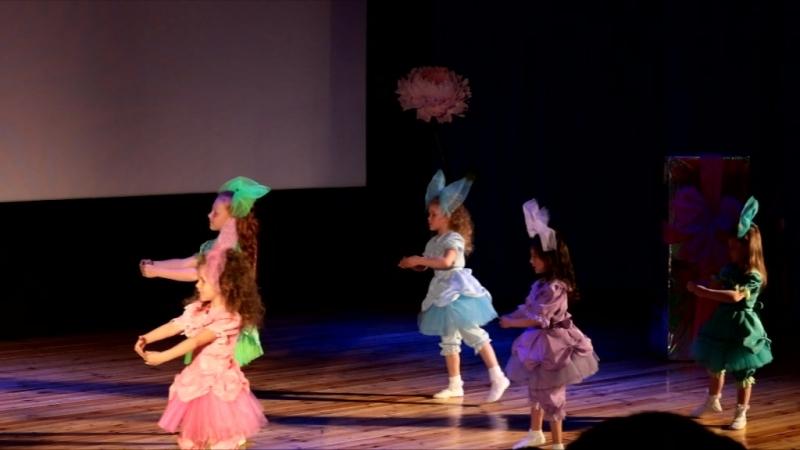 картинка танец кукол из коробки прекрасен