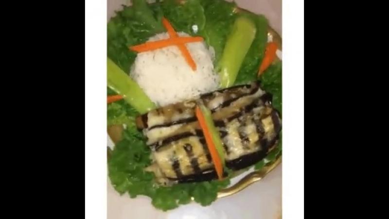 Как вкусно запечь баклажаны с куриным филе и грибами? Держите рецепт!