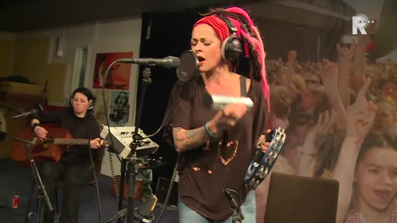Dilana Smith - Beautiful monster (Live uit Lloyd)