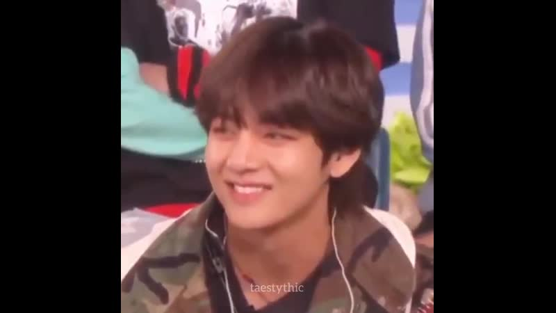 Taehyung scrunching his nose shouldn't affect my heart this much but it does, my heart can