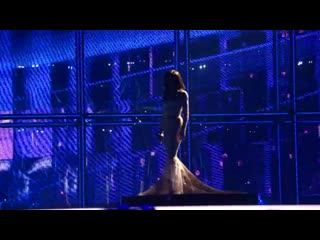 Conchita Wurst first dress видео из зала