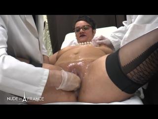 У гинеколога зрелая пизда келли потекла от наслаждения.