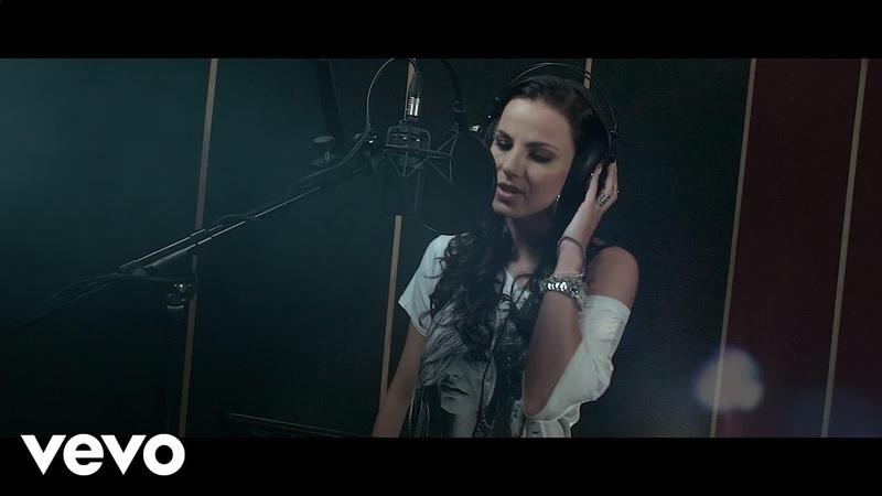 Szilvia Hív a világ Lyric video
