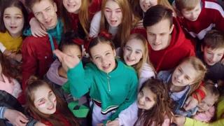 Лесик в клипе 'Welcome to my Belarus' Маши Жилиной