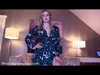 goddess Amanda finally shows tits