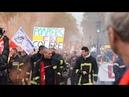 Les pompiers face à la milice du gouvernement lamentable