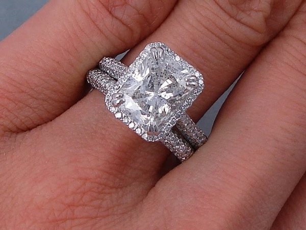 3.73 ctw Radiant Cut Diamond Engagement Ring and Wedding Band Set - BigDiamondsUSA