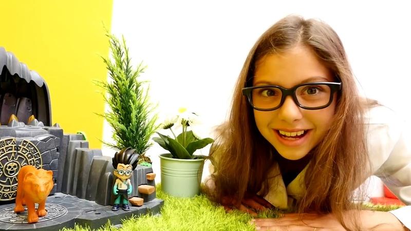 Pj Masks oyuncakları. Polen ve Eliz ile çocuk videoları. Kertenkele Çocuk, Kedi Çocuk ve Baykuş Kız