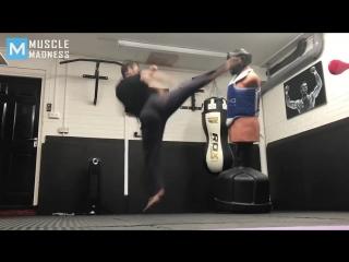 Scott adkins super kicks -