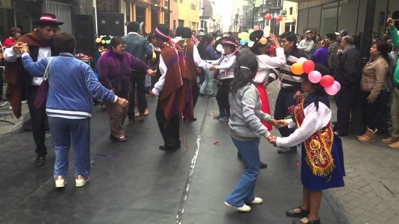 HUAYNOS EN LIMA: Ojos azules Poco a poco Mambo de Machahuay Lima Perú Setiembre 2015
