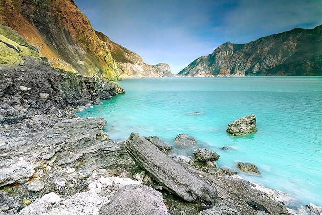 «Стреляющее» озеро